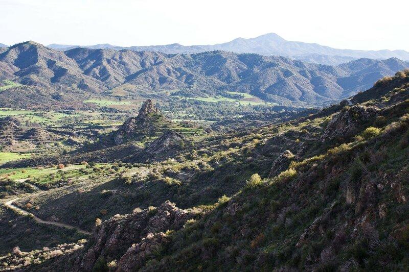 долина у Пано Лефкара, Кипр, горы