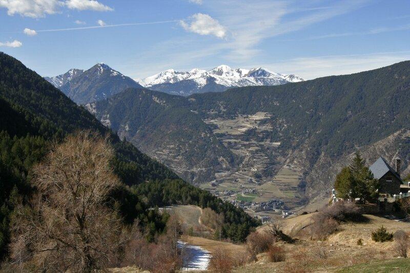 Андорра, Энкамп, дорога в долине