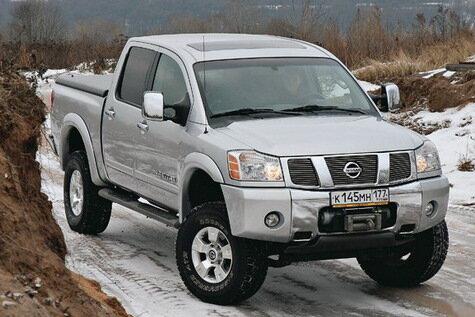 Nissan Titan на колесах диаметром в 35 дюймов