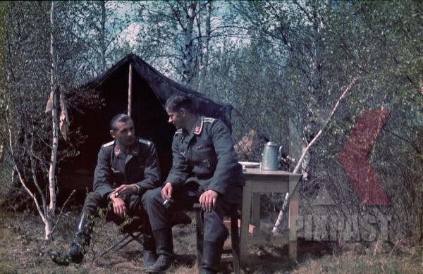 stock-photo-german-luftwaffe-flak-officers-tent-zeltbahn-coffee-russia-1941-3-flak-abt-701--8043.jpg