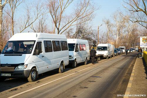Ожидание в очередях на границах Молдовы достигает 4 часов
