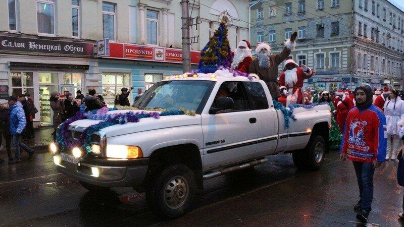 Полицейские Камышина присоединились кВсероссийской благотворительной акции «Полицейский дедушка Мороз»