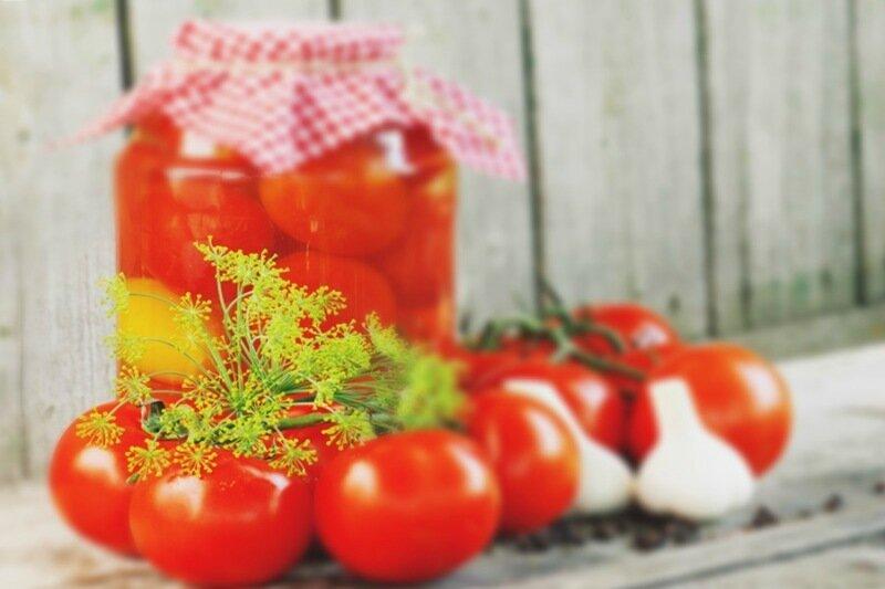 Свежие помидоры   консервирование с помощью горящего спирта