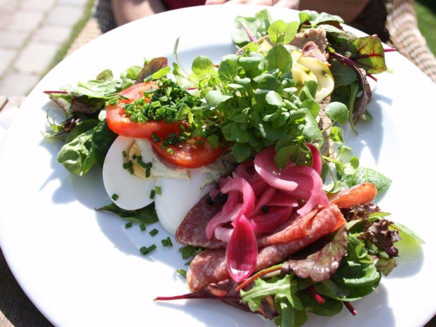 Смерреброль, Дания Смерреброль — это датский бутерброд. И вам потребуется немало времени, чтобы пере