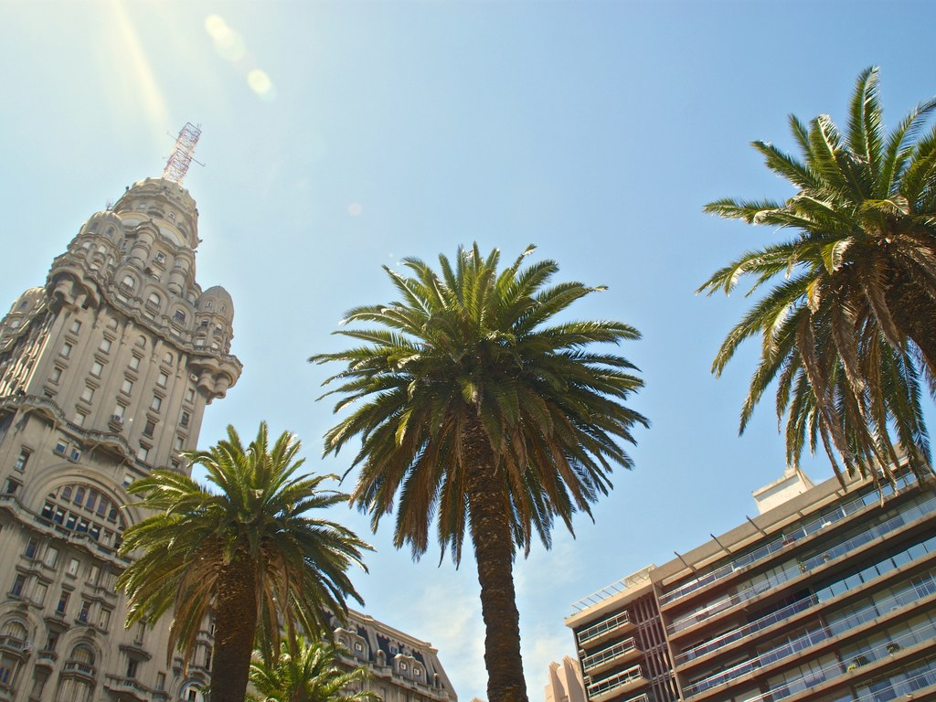 Столица Уругвая, город с богатой культурой и обилием мест для отдыха. Монтевидео восхищает гостеприи