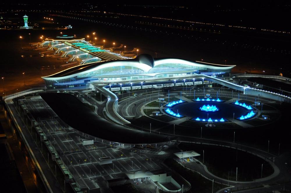 15невероятных аэропортов, вкоторые точно захочется вернуться (30 фото)