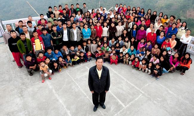 © barcroftproductions      Самая большая вмире семья живет вИндии: мужчина с39женами