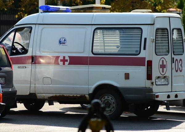 ВСочи шофёр такси сбил троих детей натротуаре