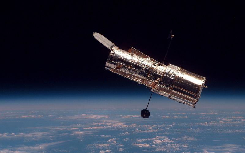 Профессионалы  NASA сняли нателескоп Hubble «кружащиеся ввальсе» галактики