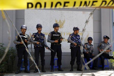 СМИ говорили о взрыве вцентре Бангкока