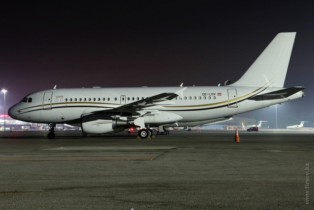 A-319_OE-LOV_Tyrolean_Jet_Service_1_ALA_resize.jpg