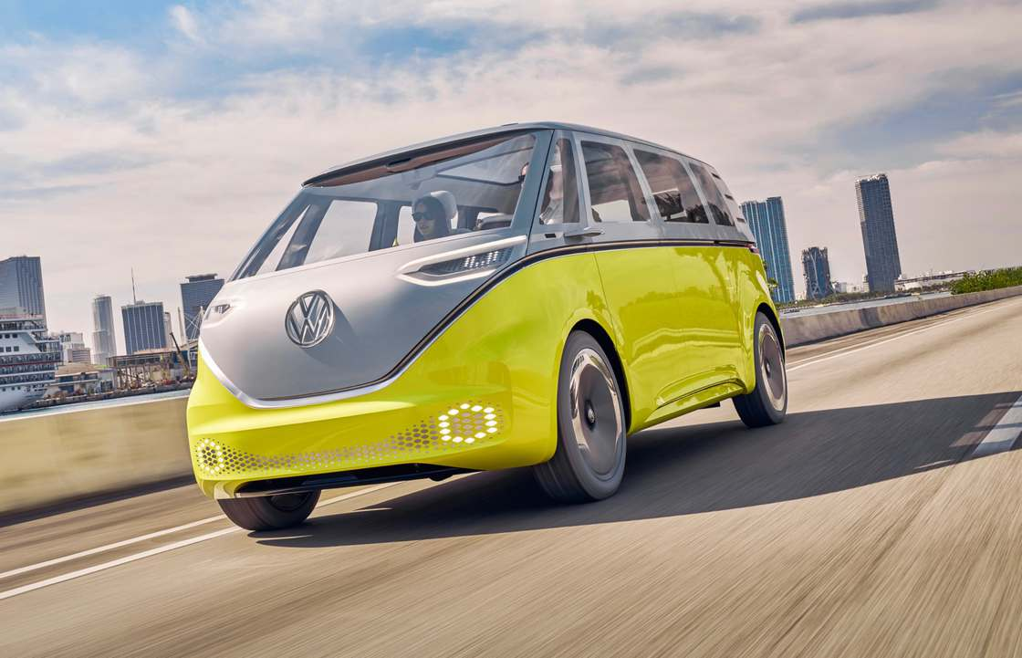 ID Buzz - Volkswagen unveils an electric version of its iconic minivan!