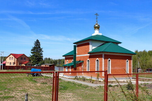 Церковь Рождества Христова в Любучанах
