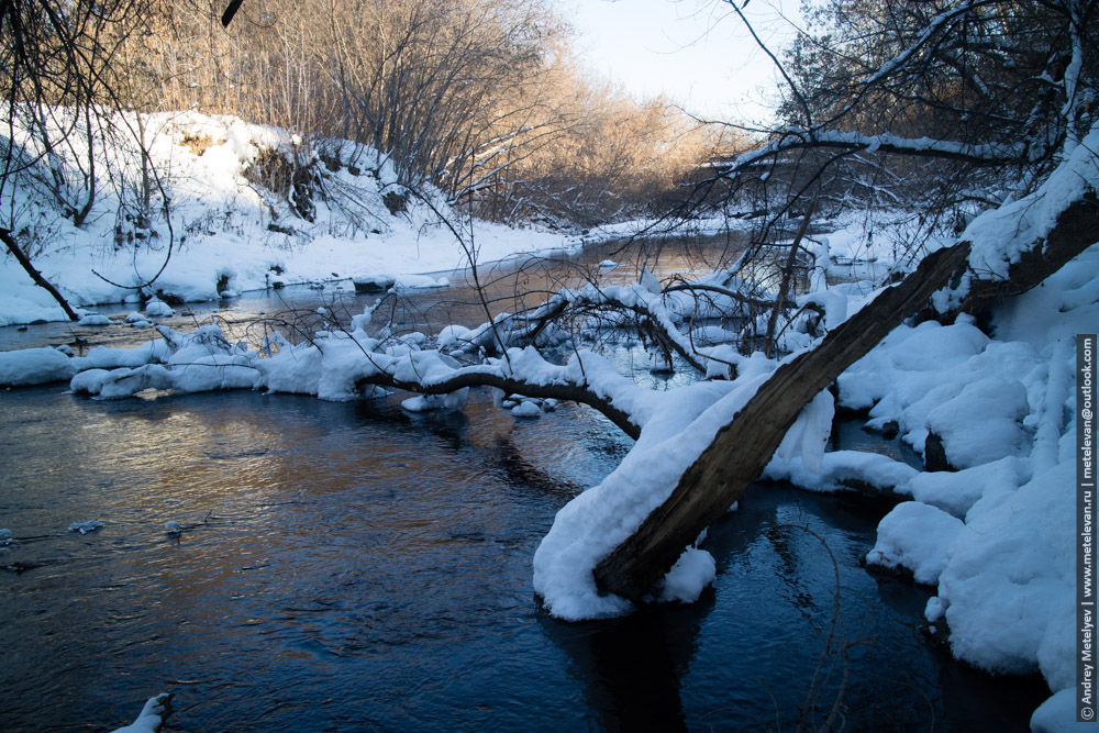 река каменка зимой в январе