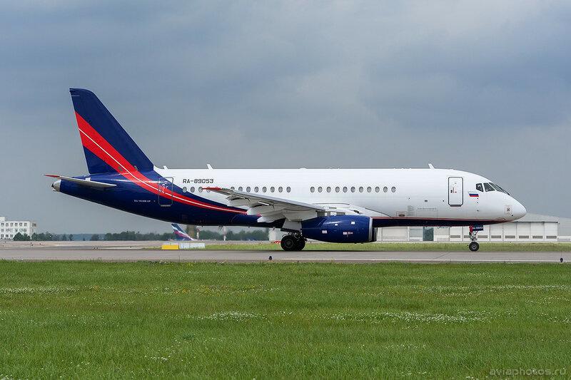 Sukhoi Superjet 100-95LR (RA-95009) Rusjet 268_D702768