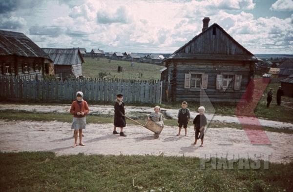 stock-photo-at-the-beresina-near-baryssau-russia-1942-11270.jpg
