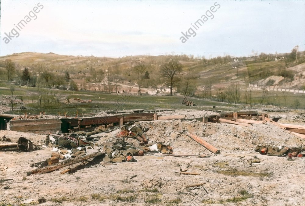- Destroyed Russian stand, 1915 -