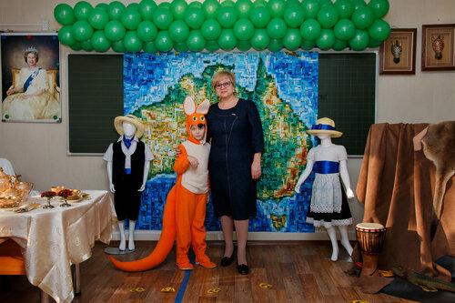 Оформление кабинетов для проекта «Многоликий мир» в начальной школе