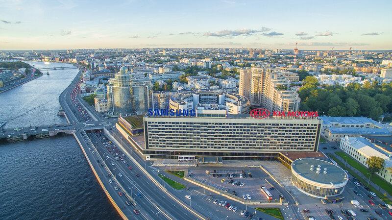 Гостиница Санкт-Петербург и Петровский Форт