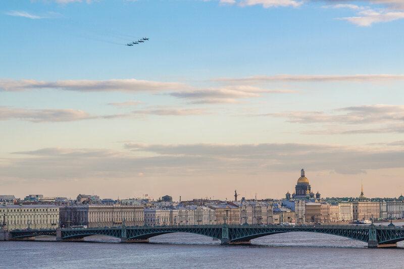 Бомбардировщики над Петербургом