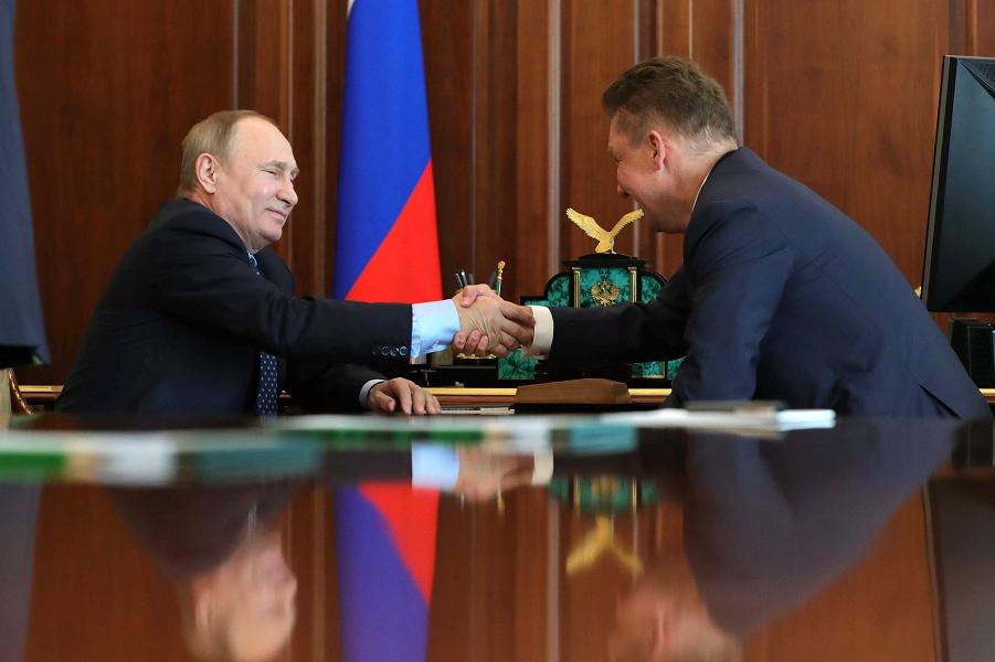 Встреча Путина с главой Газпрома Миллером в Кремле 4 мая 2017.png