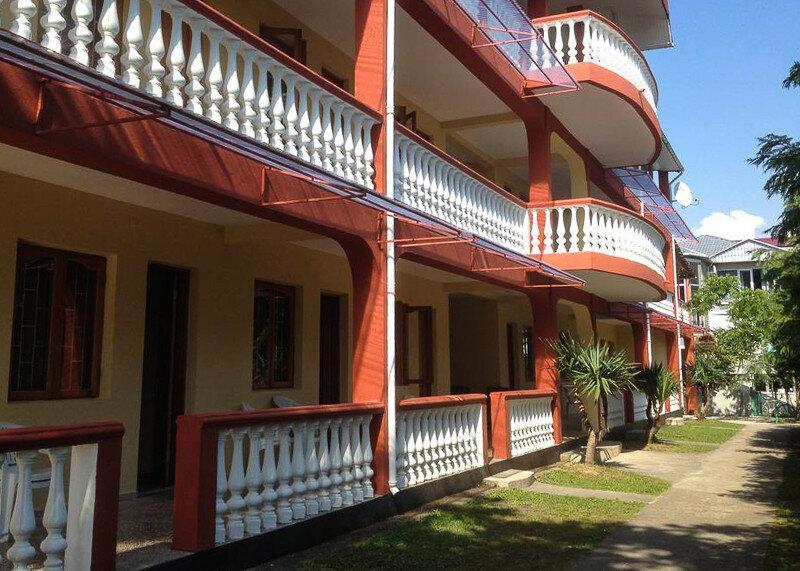 Частный сектор в Уреки представлен разными гостевыми домами