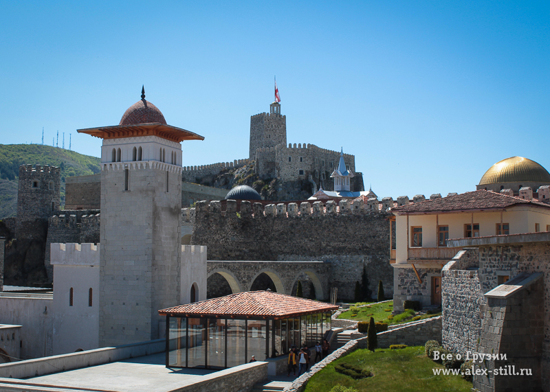 Вход в Верхнюю часть крепости платный