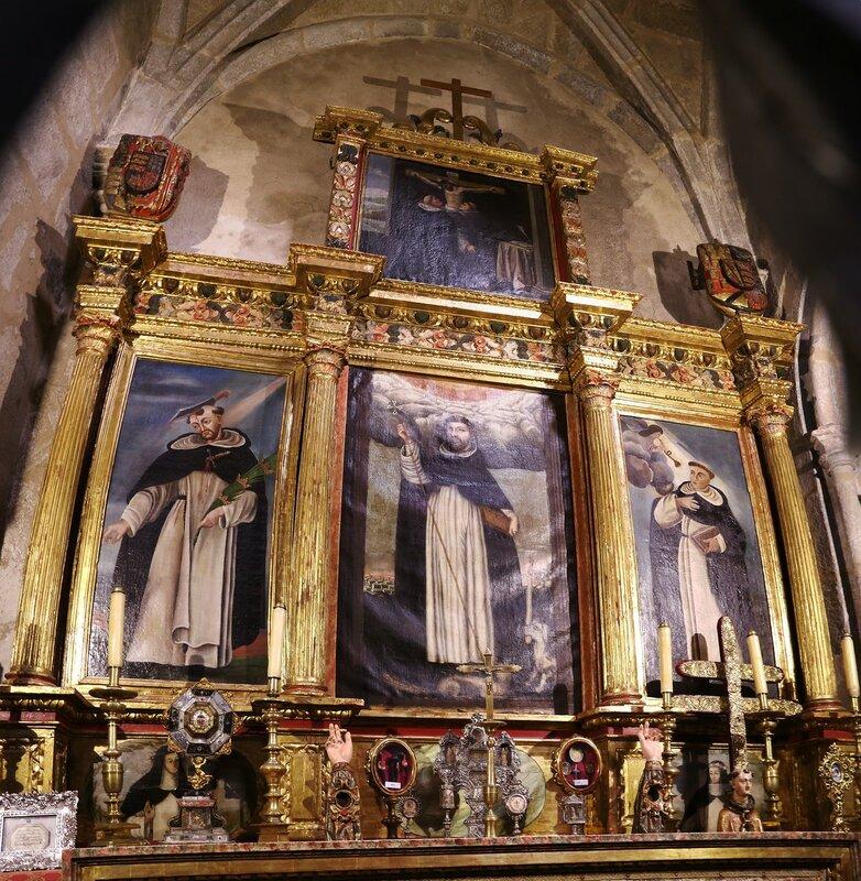 Church of Saint Martin (Iglesia de San Martín) interiors