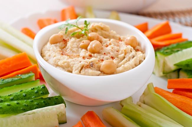 © depositphotos  Основа блюда— нут, богатый витаминомВ6, который, всвою очередь, важен для