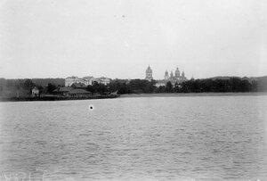 Вид с парохода на монастырь.