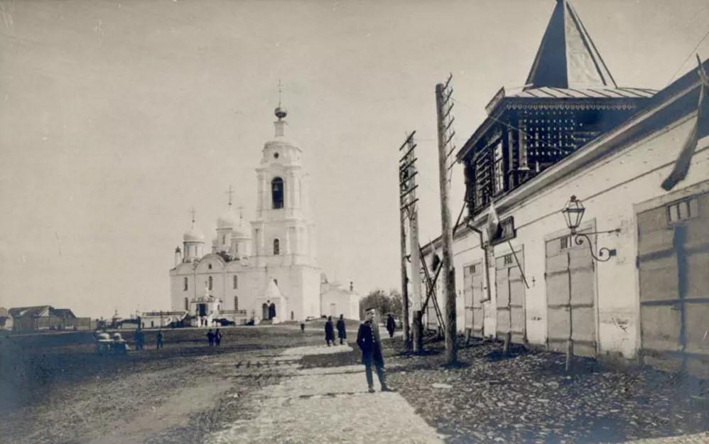 Богородицкий собор. Вид от пожарной части