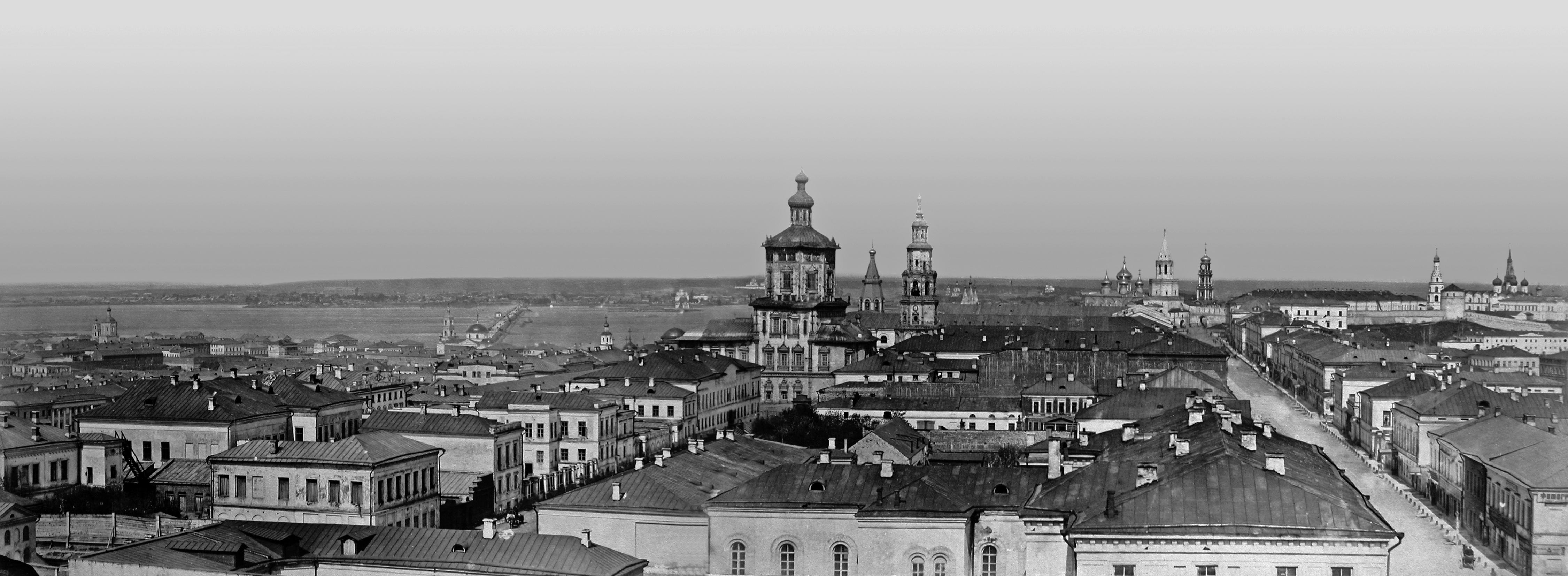 1870. Вид с Пожарной каланчи на Воскресенскую улицу и Петропавловский переулок