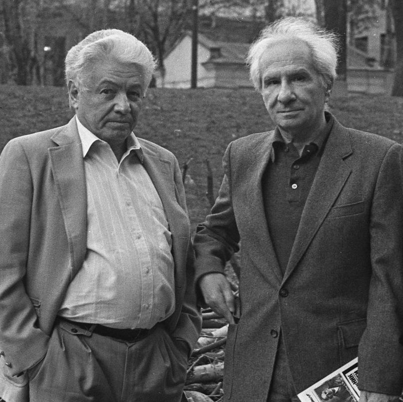 Писатели Владимир Войнович и Александр Володин