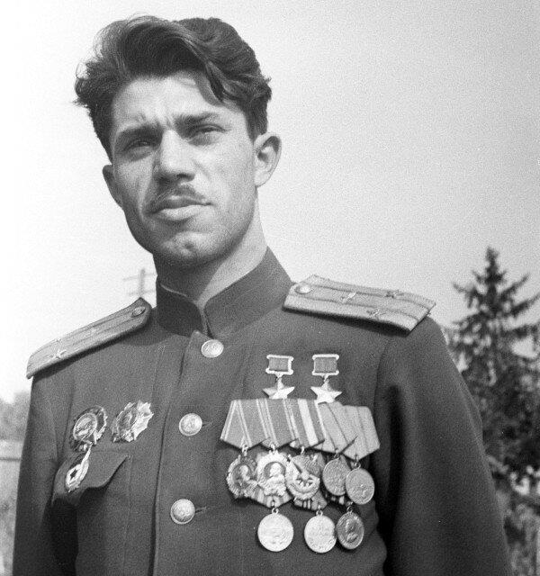 Дважды Герой Советского Союза Александр Молодчий, сталинские соколы