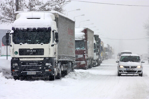 Движение грузовых автомобилей в Молдове частично приостановлено
