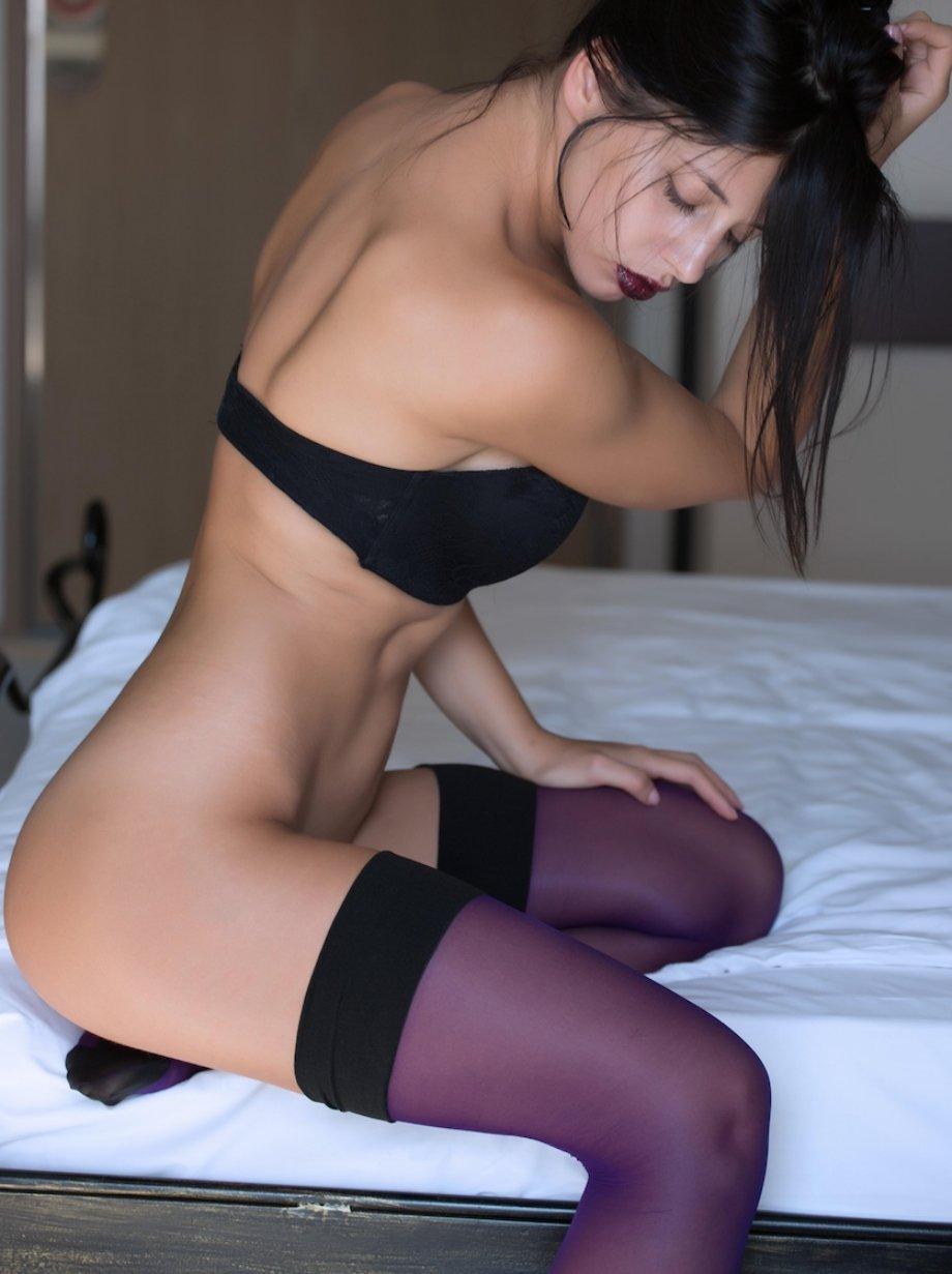 Сексуальные девушки в купальниках и нижнем белье