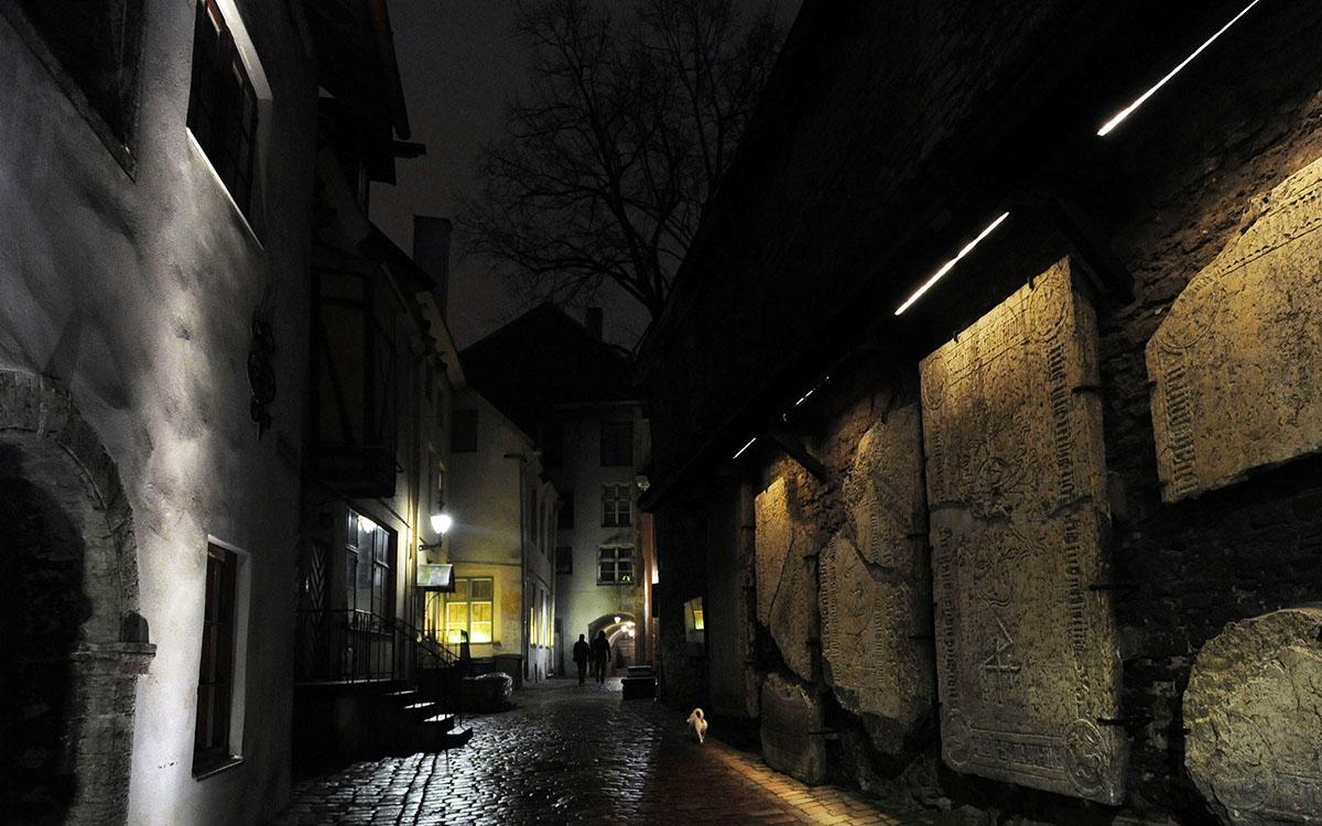 12. Старый город Таллина ничем не отличается от привычной европейской «территории туристов»: много м