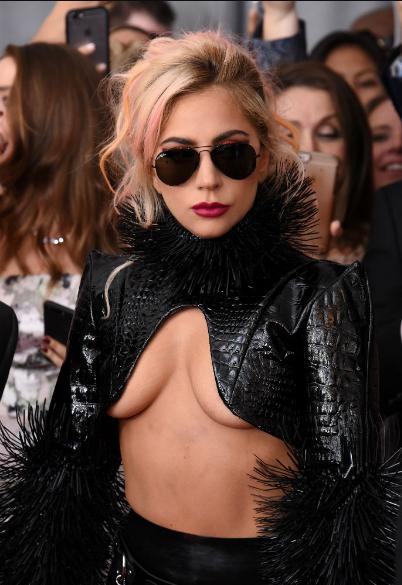 Леди Гага на церемонии вручения музыкальной премии «Грэмми» 12 февраля 2017 года.