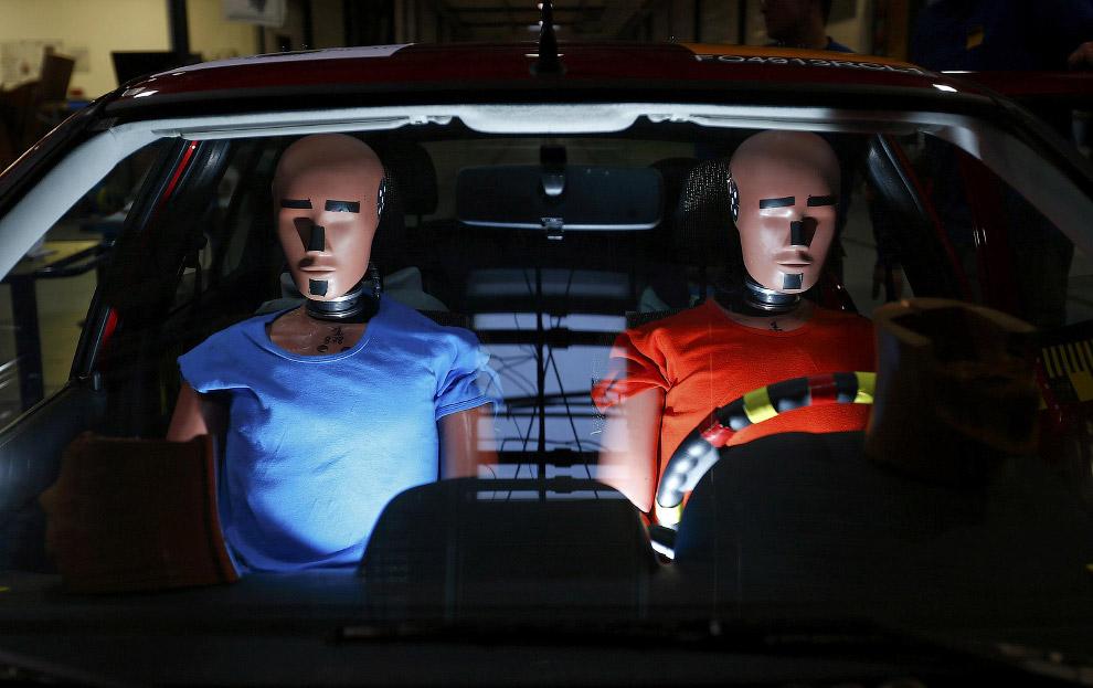 Как проходят краш-тесты автомобилей