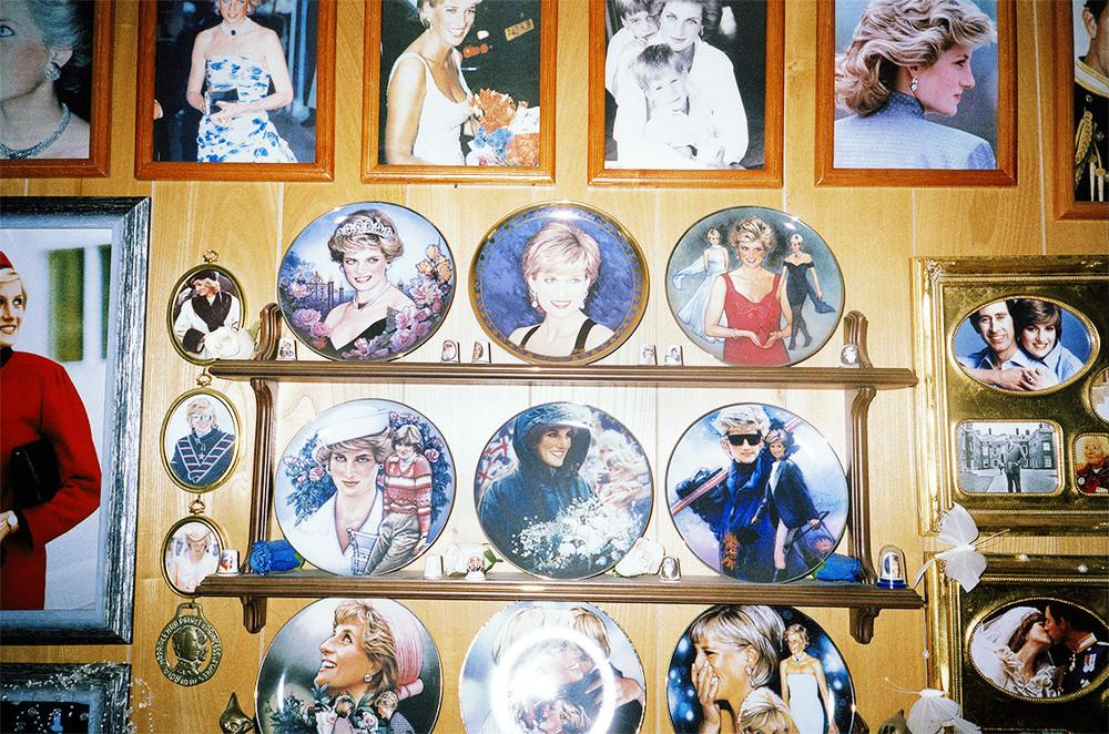 Мария Тофтум увлеклась королевскими семьями, когда в 1997 году погибла принцесса Диана. Теперь она п