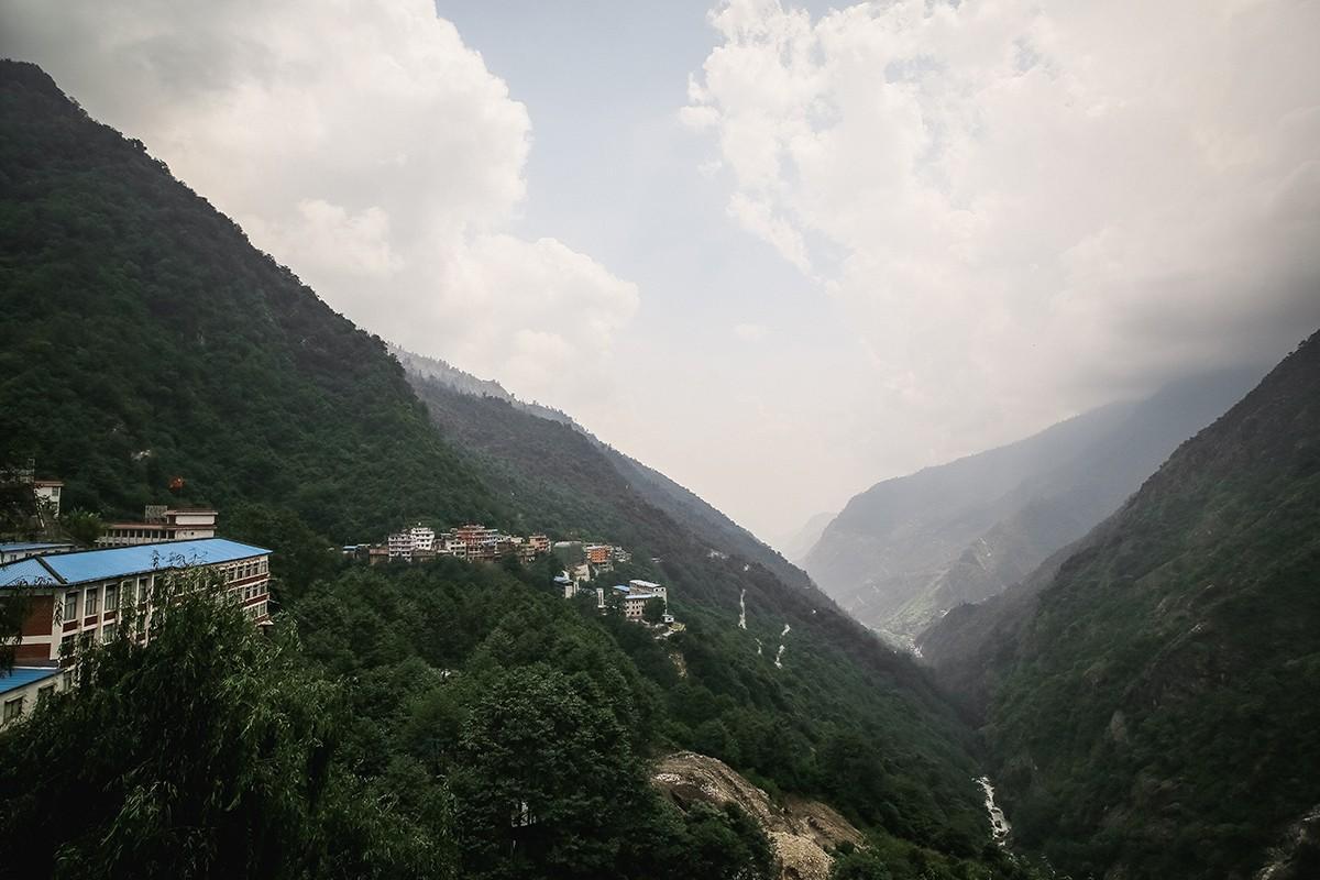 5. Вид на Чжанму с дороги.