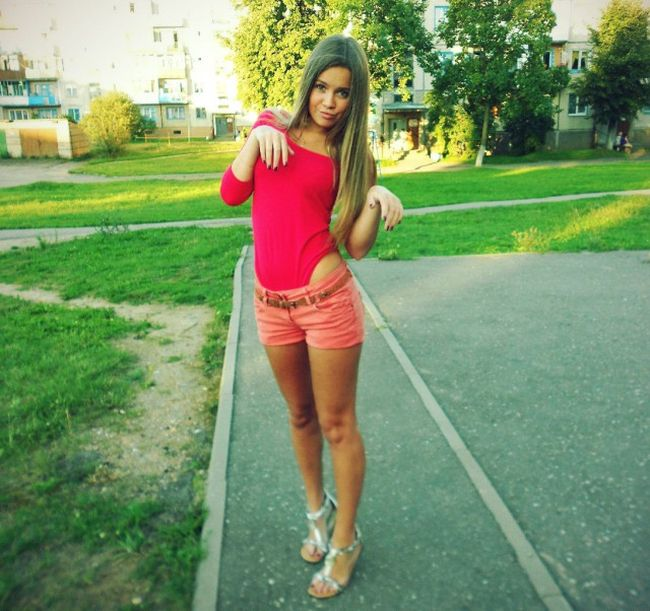 Красавицы в шортах (29 фото)