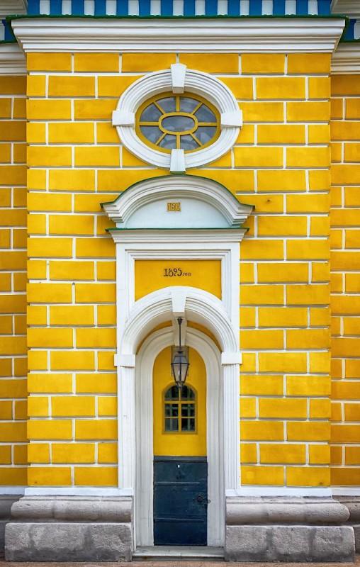 10. Дверь в Киеве, Украина.