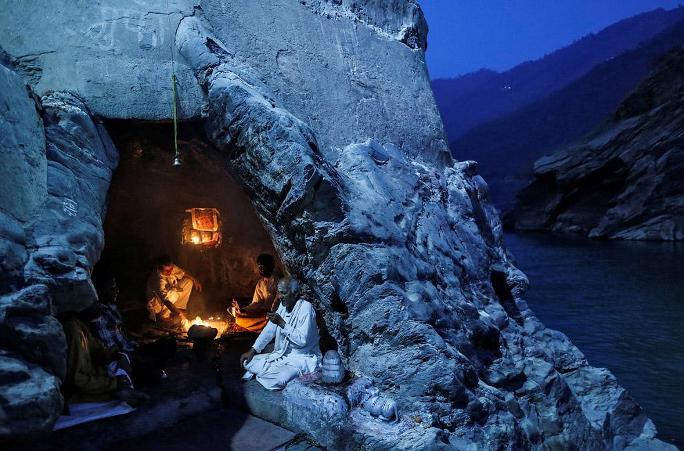 4. Ганг в индуистской мифологии — небесная река, которая спустилась на землю и стала рекой Ганг