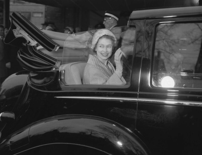 Queen Elizabeth departs from the Gemeentemuseum, 1958