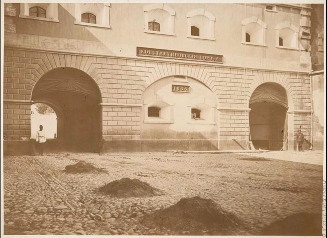 01. Константиновские ворота