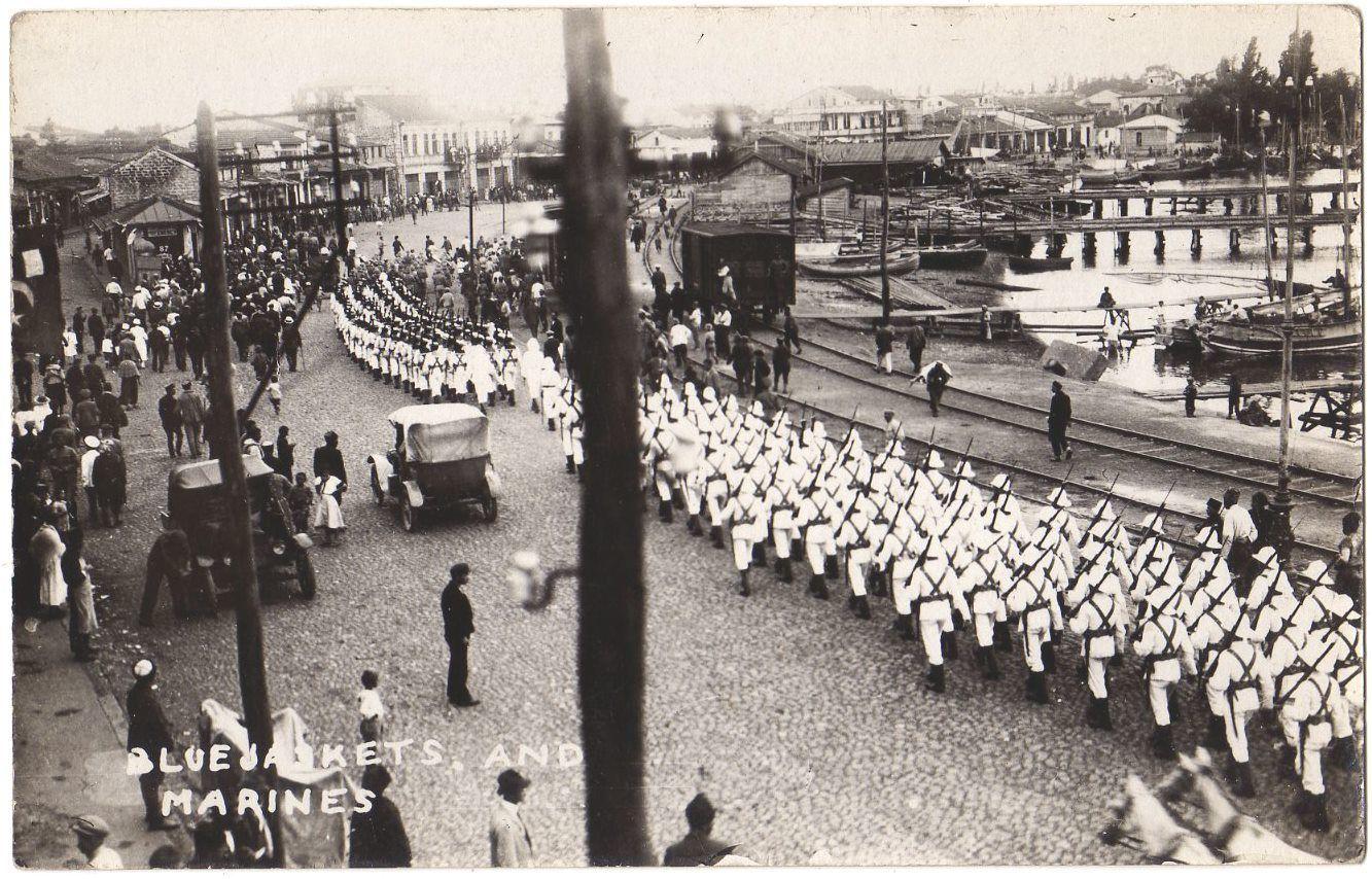 Британские синие мундиры (моряки) и морская пехота