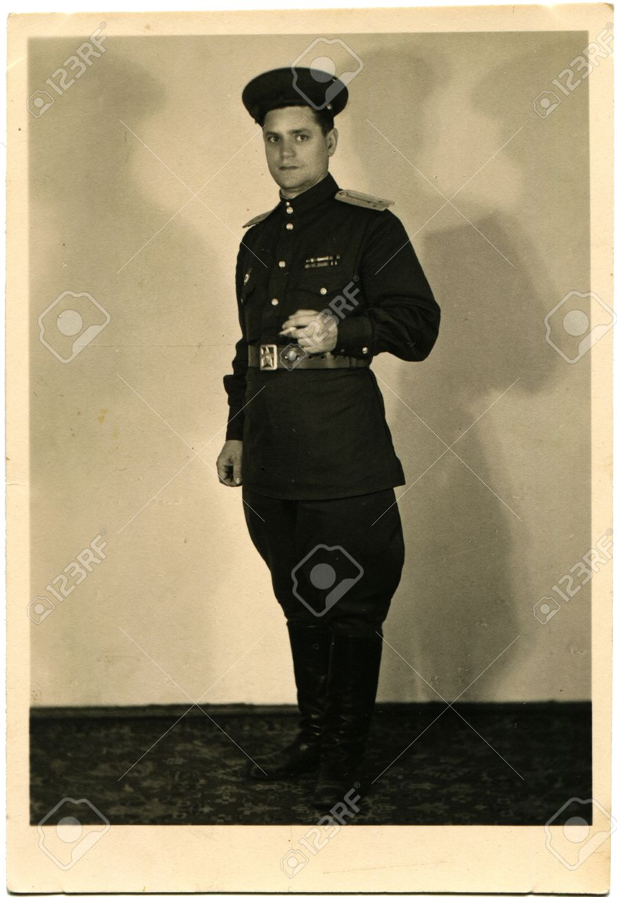 14467129-USSR-CIRCA-1950-Studio-portrait-of-Lieutenant-Soviet-Army--Stock-Photo.jpg