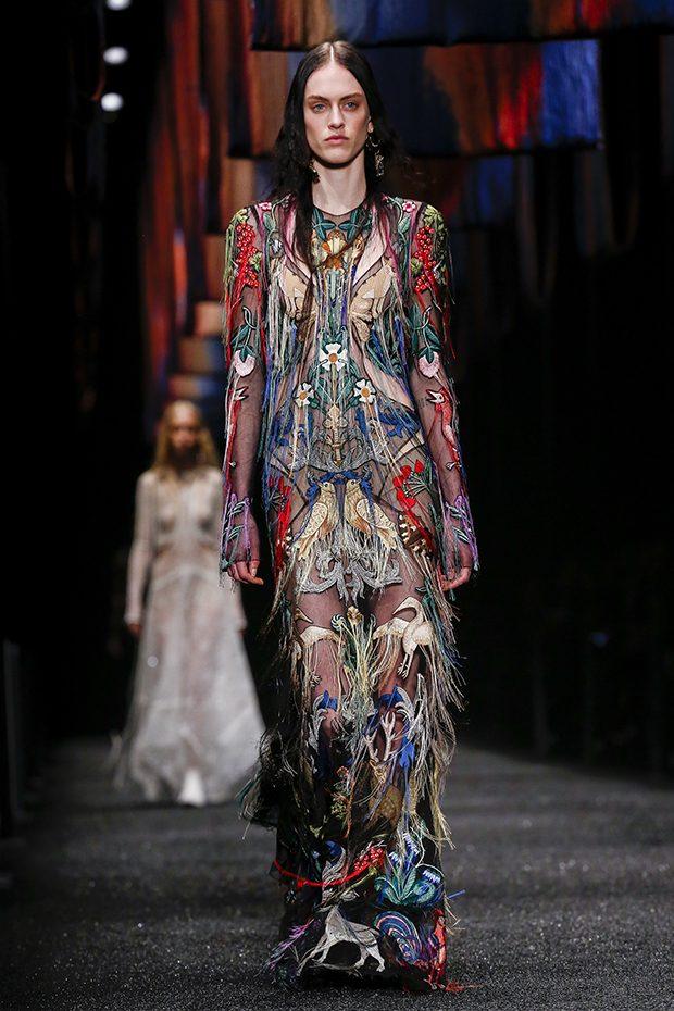 Неделя моды в Париже: Alexander McQueen F/W 2017/18