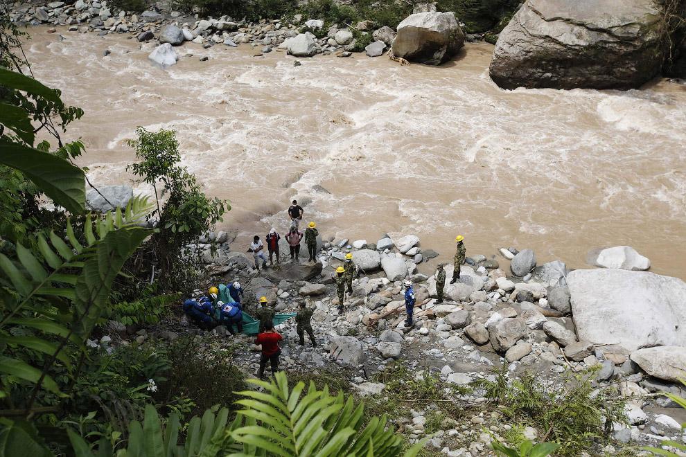 12. В этом колумбийском городке селевой поток убил 273 человека. (ФотоJaime Saldarriaga   Reute